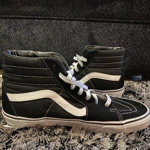 Classic Vans Sk8-Hi Black & White